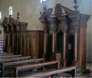 grandi confessionali in legno
