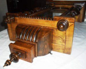 orologio a pendolo in legno restaurato